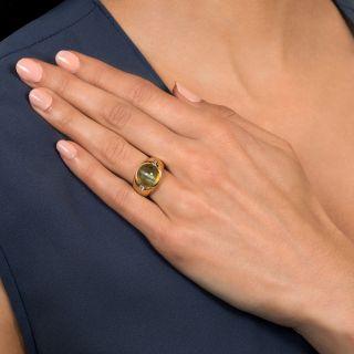 10 Carat Cat's Eye Chrysoberyl and Diamond Unisex Ring