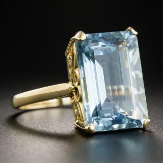 18K Emerald-Cut Aquamarine Solitaire Ring