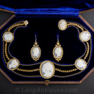 8 Cameo Necklace and Earrings in Fitted Box - 1