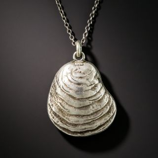 Antique Silver Oyster Pendent Locket - 2