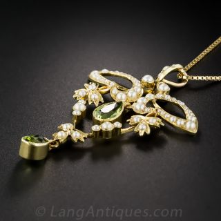 Art Nouveau Peridot and Seed Pearl Pendant Necklace