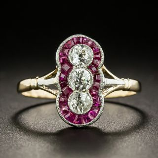 Edwardian Vertical Three-Diamond and Ruby Ring - 2