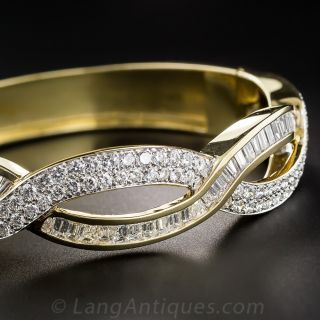 Contemporary Diamond and 18k Gold Bangle Bracelet - 2