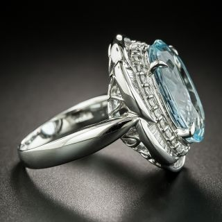 Estate Oval 6.64 Carat Aquamarine and Diamond Cocktail Ring