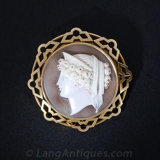 Fine Victorian Shell Cameo Pin