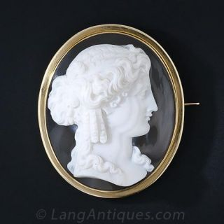 Large Victorian  Hardstone Cameo Brooch