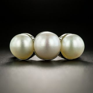 Late-Edwardian/Early Art Deco Three-Pearl Platinum Diamond Ring