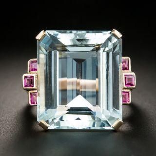Retro 22.00 Carat Aquamarine and Ruby Rose Gold Ring - 2