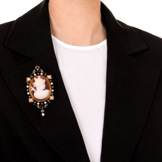 Victorian Hardstone Cameo Pendant/Brooch and Earrings Set